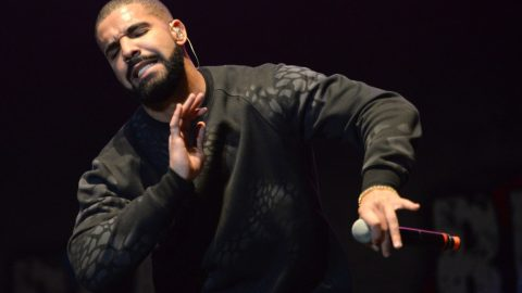 "Drake's ""One Dance"" Becomes Most Streamed Song On Spotify"